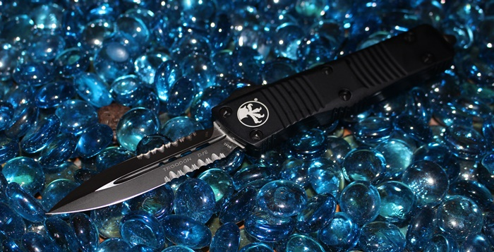 Microtech Troodon D/E Tactical Serrated<p>138-2T