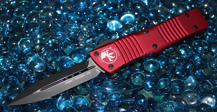 Microtech Combat Troodon Red D/E Black Standard<p>142-1RD