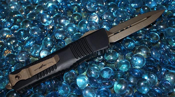 Microtech Combat Troodon Carbon Fiber D/E Bronze Standard 142-13CFS